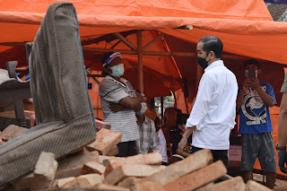 Jokowi Tinjau Lokasi Terdampak Gempa di Kabupaten Malang