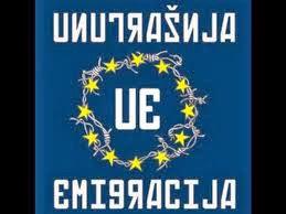 Le logo du groupe punk bosnien Unutrašnja Emigracija, UE, comme Union Européenne
