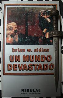 Portada del libro Un mundo devastado, de Brian W. Aldiss