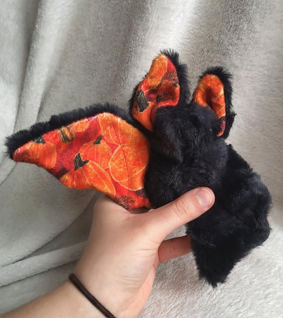 Floofy Bat Plushie