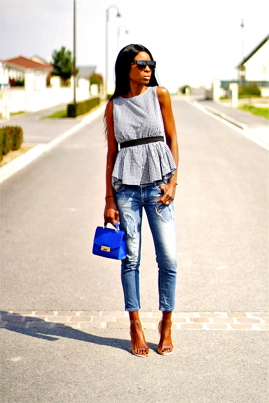 furla metropolis tendance vichy gingham tend jeans dechire sandales transparentes