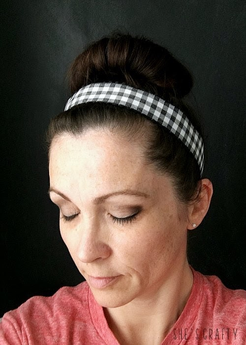 10 DIY gifts for Christmas - ribbon headbands