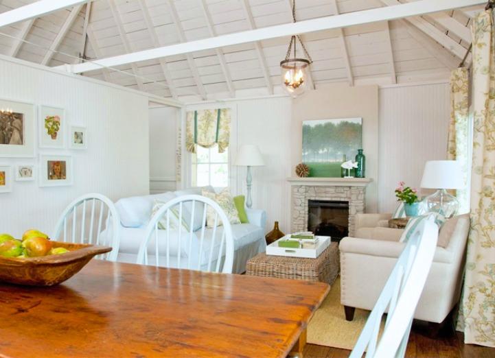 Lake house cottage