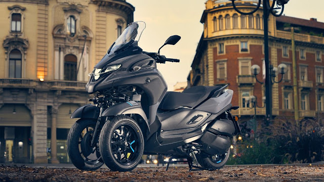 Yamaha-Tricity-300-1