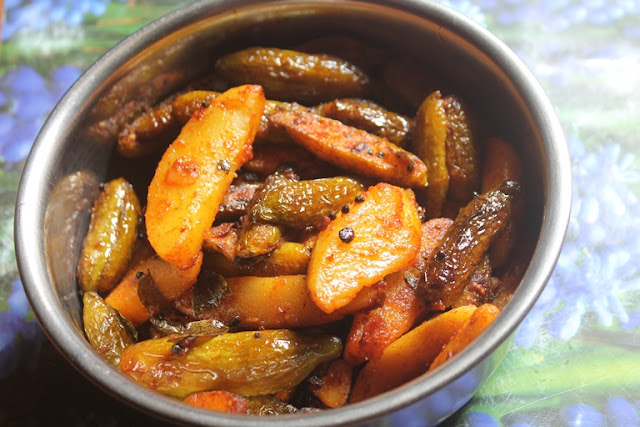 Tindora Potato Roast Recipe - Kovakkai Urulai Kizhangu Varuval Recipe