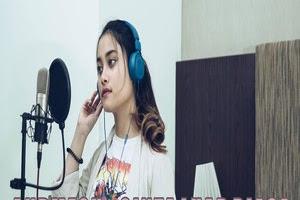 Tival Salsabila - Cinta Luar Biasa (Cover) Lyrics