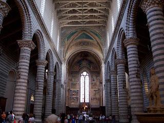 Interno duomo Orvieto - Orvieto - milagre eucarístico