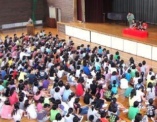 三遊亭楽春の講演会「家庭教育学級、親子で楽しむ落語鑑賞会」