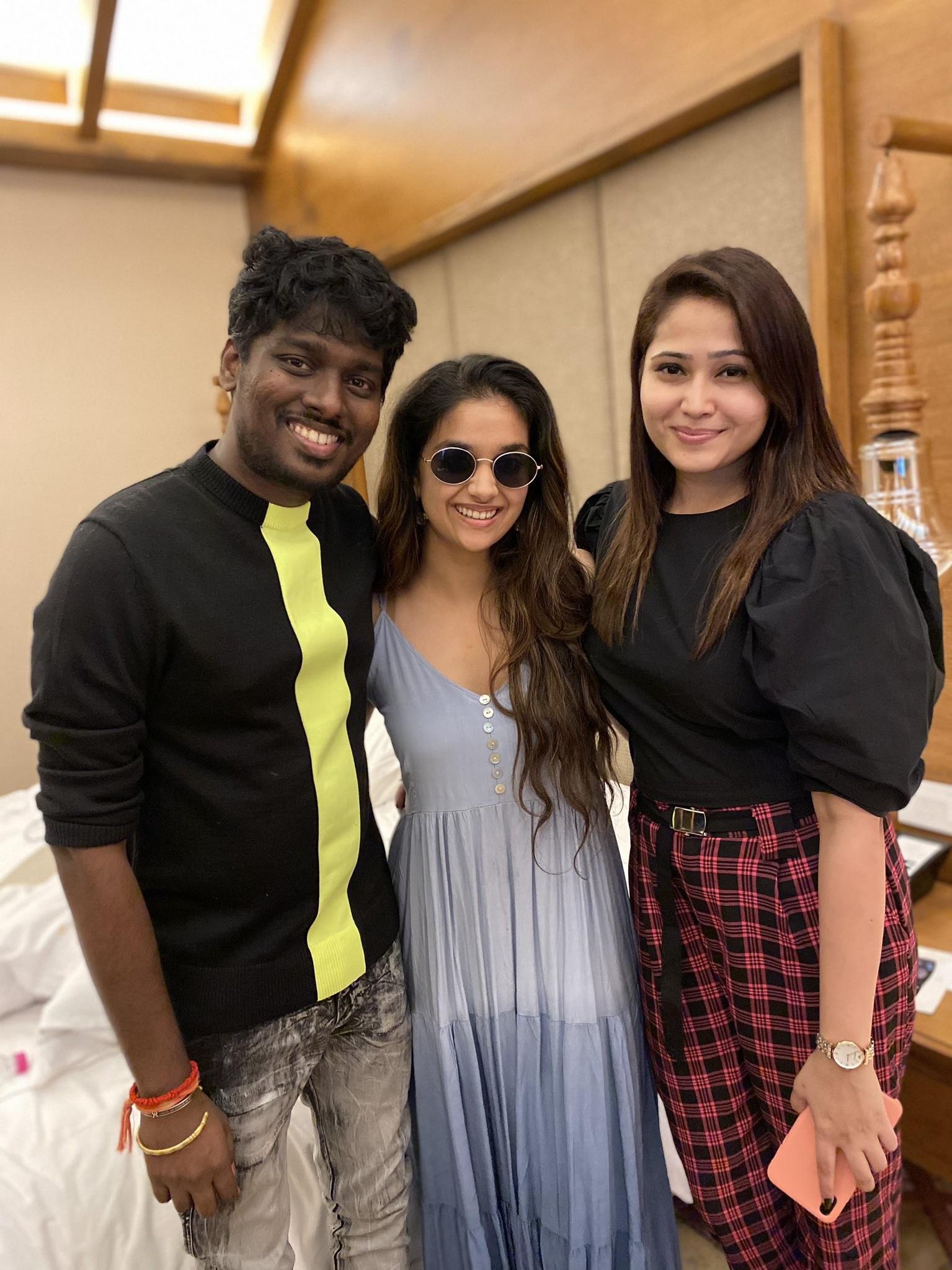Keerthy Suresh Beautiful Smile with Atlee and PriyaAtlee 1