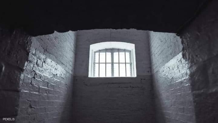 وضعت العائلة الابنة فيما يشبه القفص أو الزنزانة 5سنوات