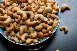 काजू के तथ्य (Cashew Facts) | Top Interesting facts about cashews | Josforup