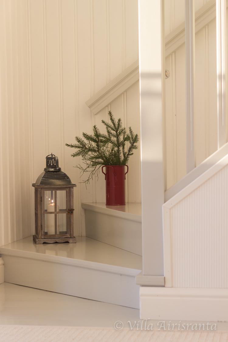 portaikko, beautiful home, valkoinen sisustus, joulutunnelmia