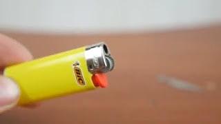 1. Siapkan korek api gas.