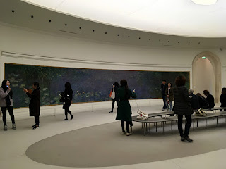 Monet´s Nymphéas Series exhibit in Musée de I'Orangerie