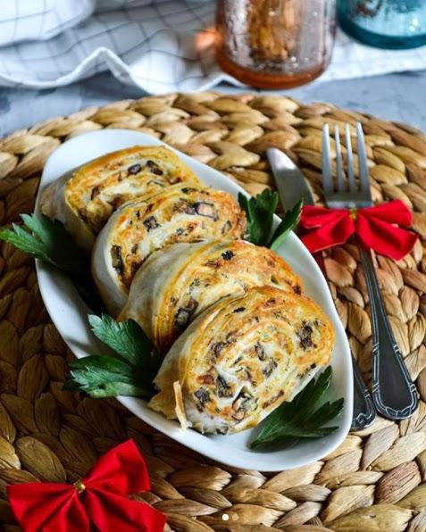 Картопляно-грибні рулетики з лаваша