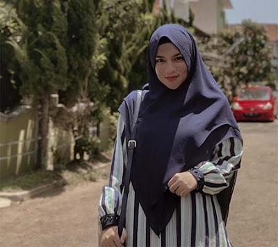 Davina Karamoy Berhijab 5