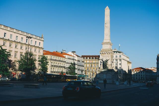 レスタウラドーレス広場(Praça dos Restauradores)