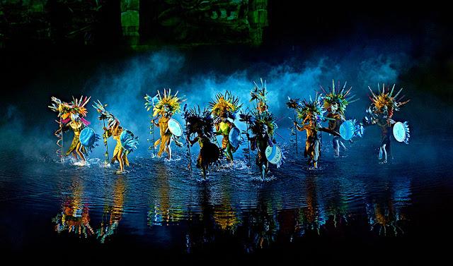 Puy du Fou espectáculo nocturno bailes