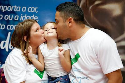 Em Maceió, durante conciliação, pai reconhece paternidade, reata relacionamento e anuncia casamento