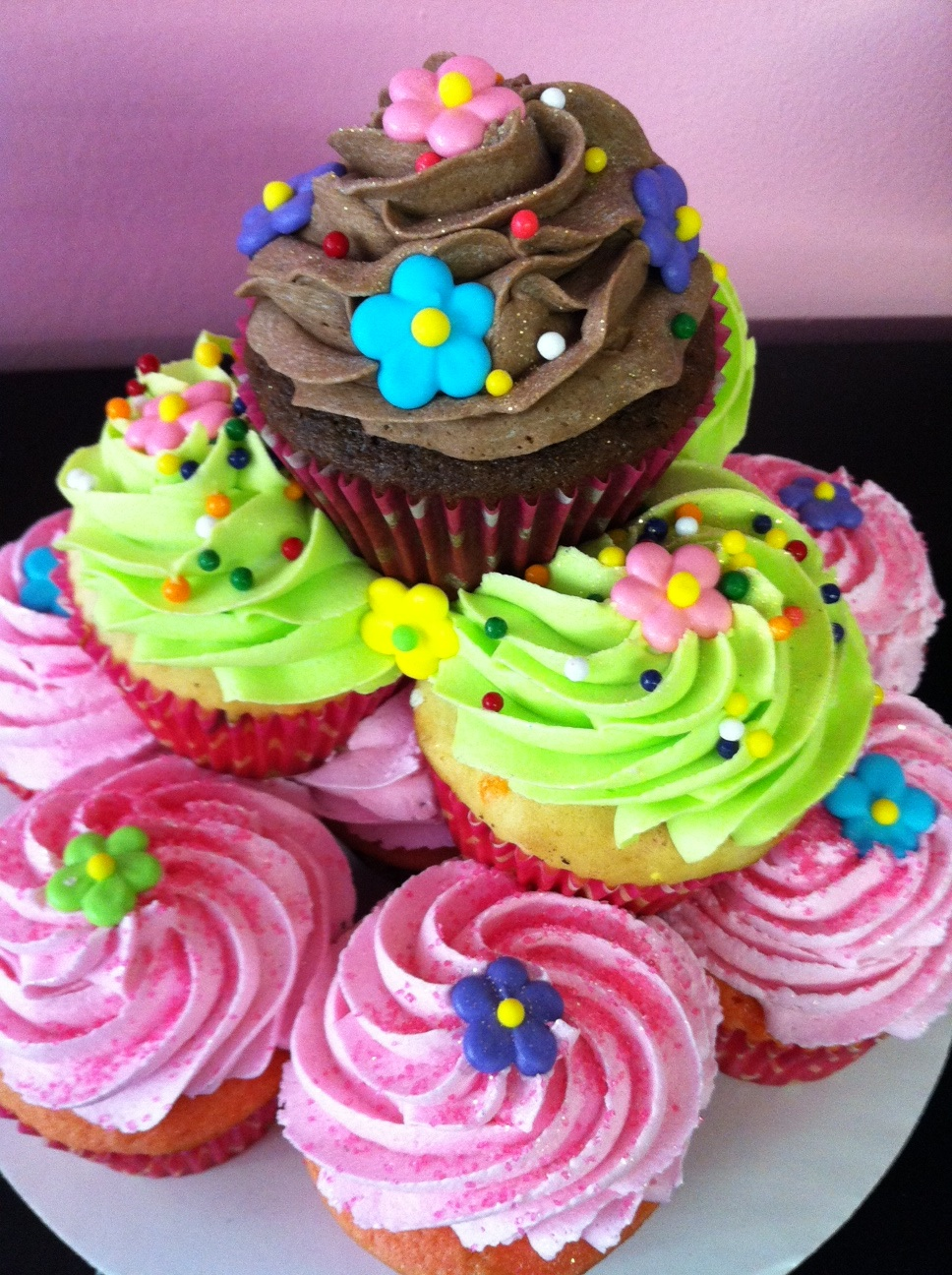 The Dessert Diva: Stacked Cupcake cakes