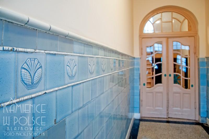 Gdańsk: płytki ceramiczne w odcieniu błękitu