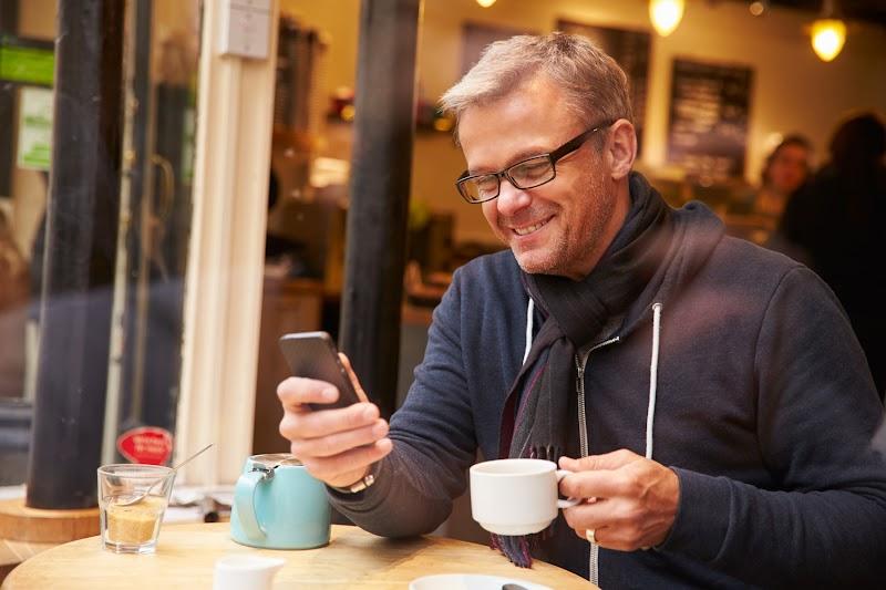 Redes varejistas registram crescimento de até 113% com vendas por WhatsApp em março