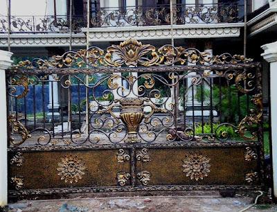 pagar balkon klasik