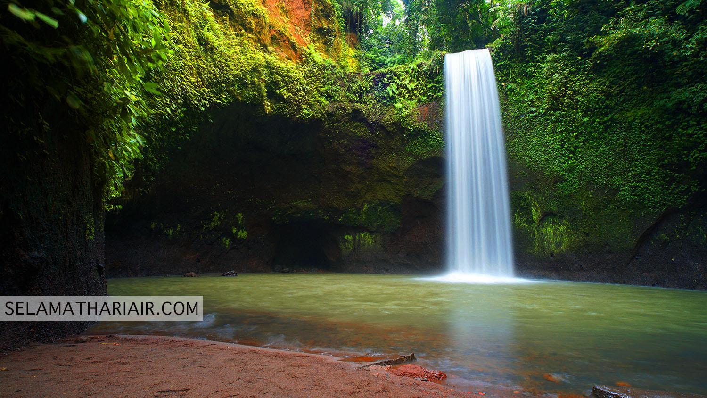 Pemandangan Air Terjun Tibumana Bali