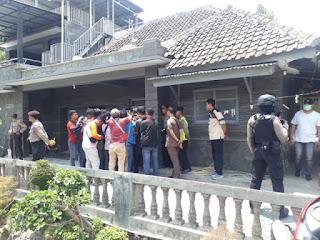 Di Cirebon Rumah Terduga Teroris  Jaringan JAD Di Geledah  Densus 88