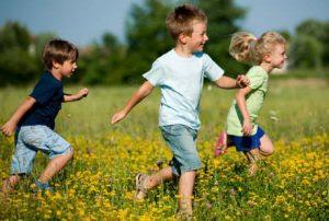 Salah Satu Manfaat Anak Bermain di Luar Rumah