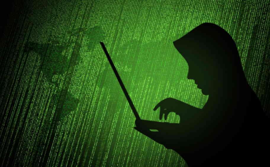 hacker-write-computer-virus-code