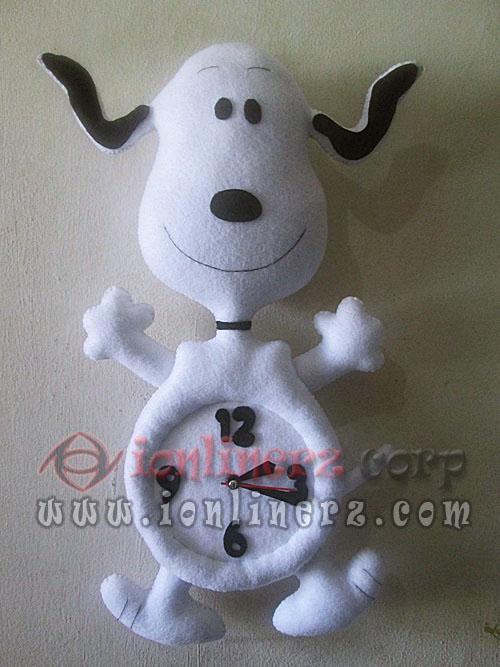 Jam Dinding Flanel Karakter Kartun Boneka Snoopy