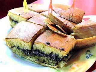 Cara membuat martabak manis / kue terang bulan sederhana