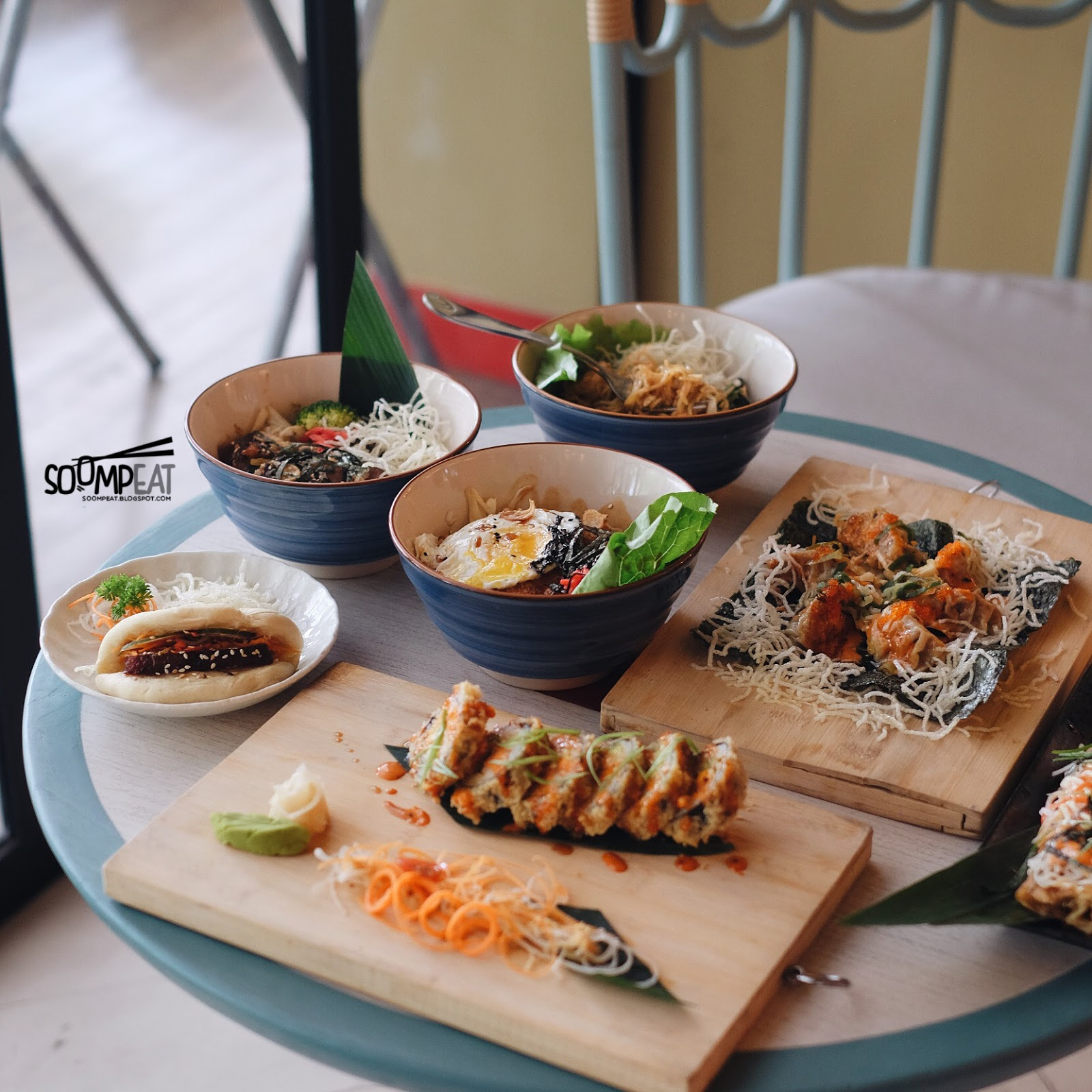 Gyoza bar central park jakarta soompeat for Bar food 46 levallois