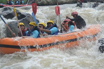 Paket Rafting Bogor 2019, Paket Rafting Cisadane 2019