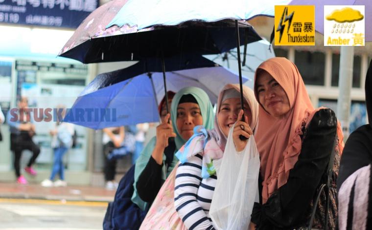 Hati-Hati ,Badai Petir dan Hujan Lebat 'Yellow Amber' Tengah berlaku di Hong Kong