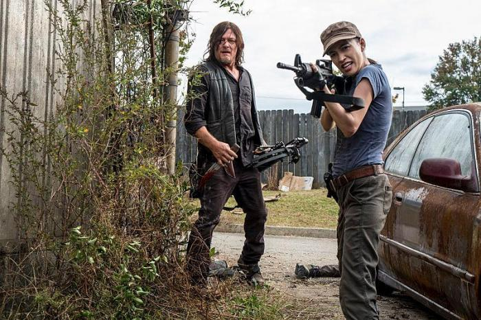 Daryl y Rosita en el episodio 8x15 Worth de The Walking Dead
