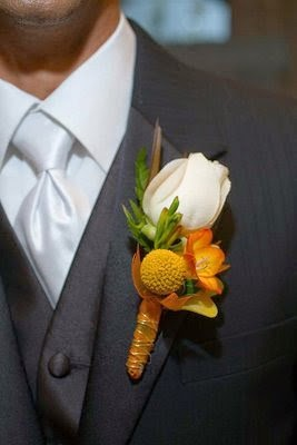 white and yellow wedding boutonniere