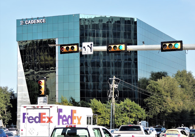 10260 Westheimer Houston, Texas 77042 - 7- story office building