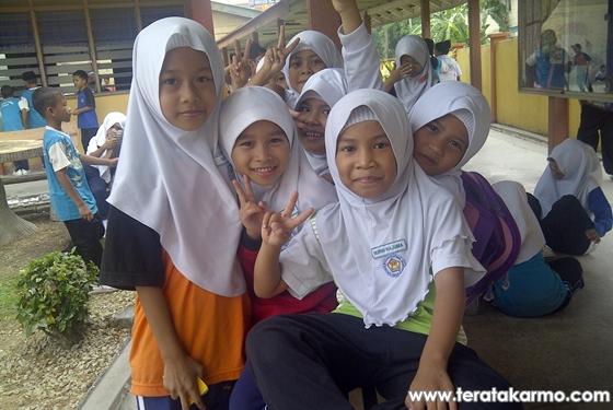 Trend Peace Fatin Liyana Merebak Kat Budak Sekolah Darjah