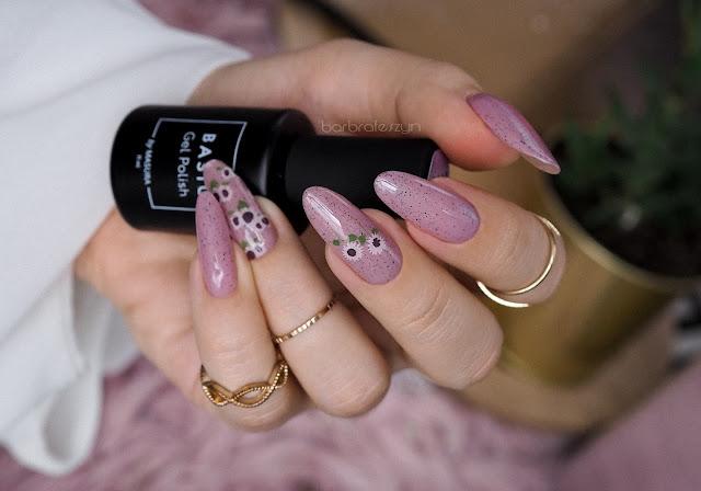 pastelowe kwiatki paznokcie