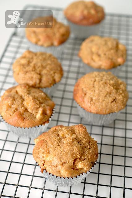 super moist quick easy apple cinnamon yogurt muffins