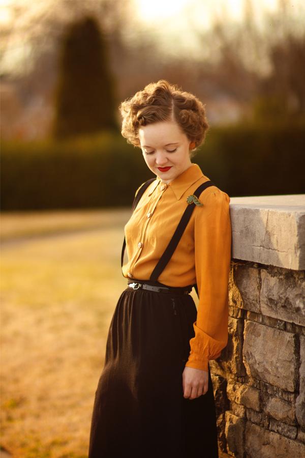 Flashback Summer: 1940s Mustard Blouse