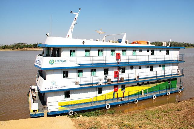 Barco hospital atraca no Distrito de Surpresa nesta sexta-feira
