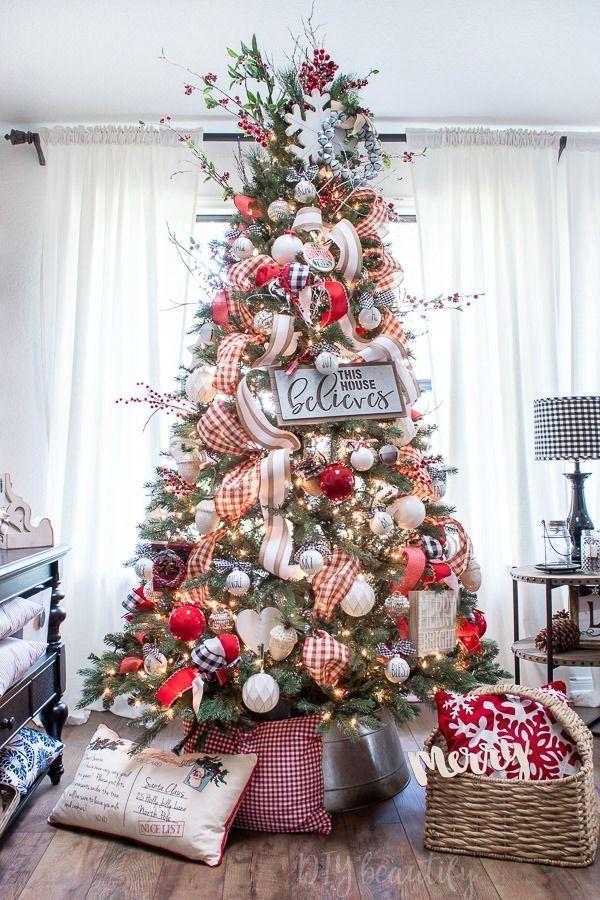 Bright And Festive Farmhouse Christmas Tour