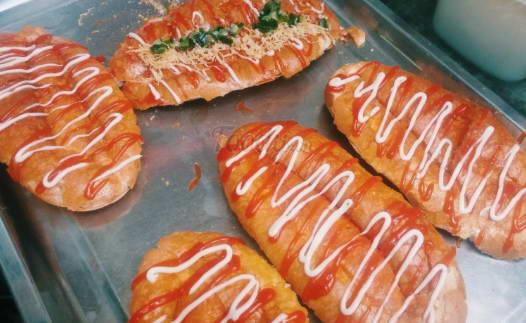 Bánh mì nướng sa tế