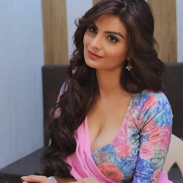 Indian Models Photos, Beautiful Indian Models Photos