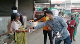 राष्ट्रीय हिंदू सेना द्वारा गरीबों एवं असहाय को लॉकडाउन में भोजन वितरित किया