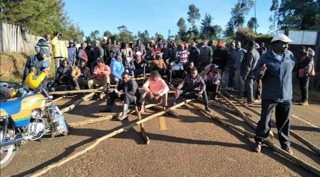 Youths barred KANU chief Gideon Moi photo