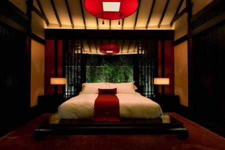 ديكورات غرف نوم باللون الاحمر